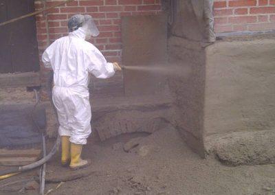 Mitarbeiterder Breiteneicher GmbH, Vilsbiburg bei Sanierungsarbeiten