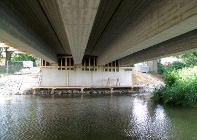 Bild Brücke von unten, Breiteneicher GmbH, VIlsbiburg